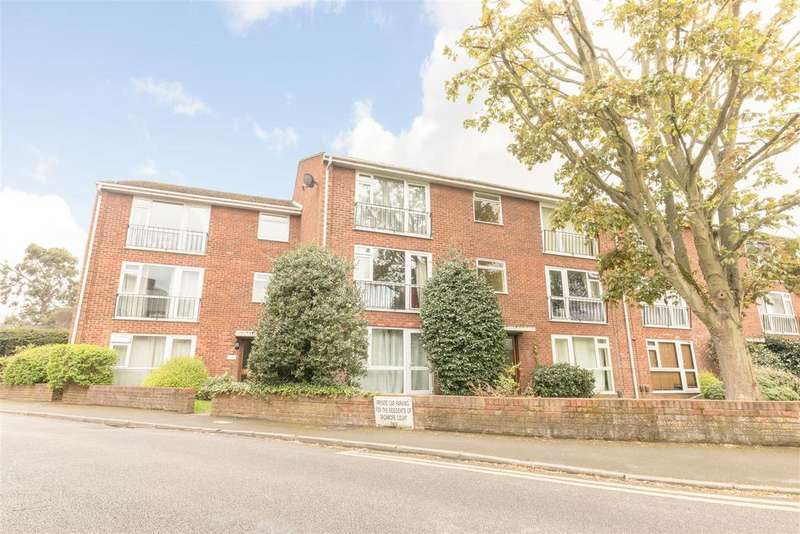 2 Bedrooms Apartment Flat for sale in Springfield Road, Windsor
