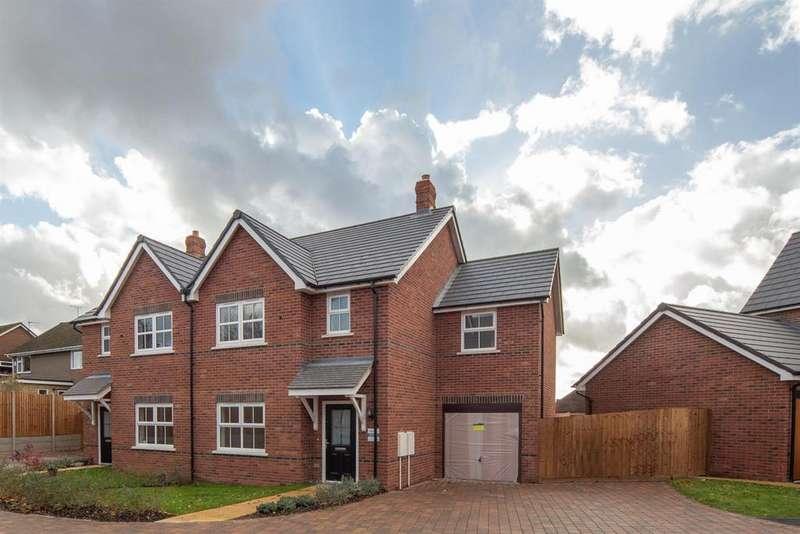 3 Bedrooms Semi Detached House for sale in Cow Lane, Edlesborough, Dunstable