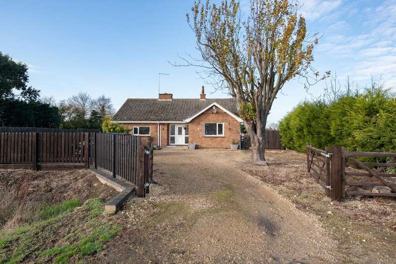 3 Bedrooms Detached Bungalow for sale in Lowgate, Gedney, PE12