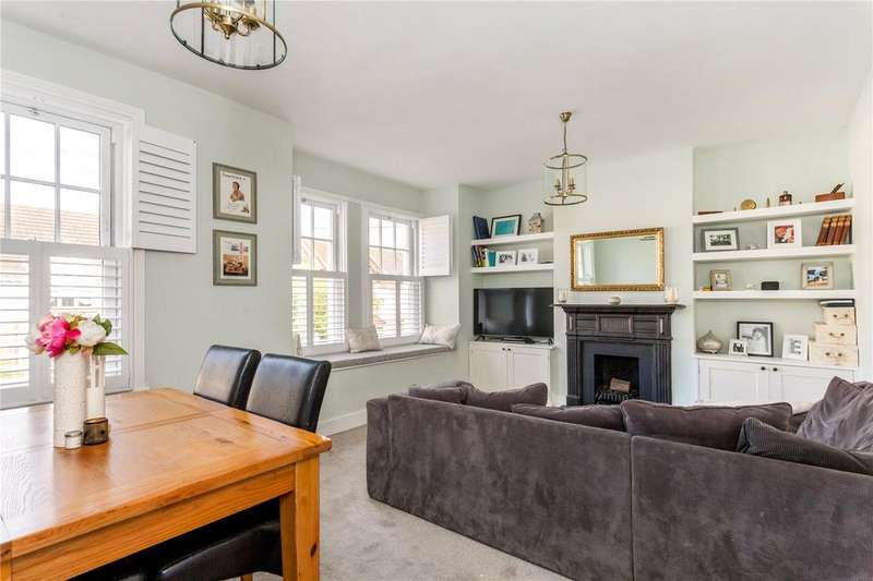 4 Bedrooms Maisonette Flat for sale in Tranmere Road, London, SW18
