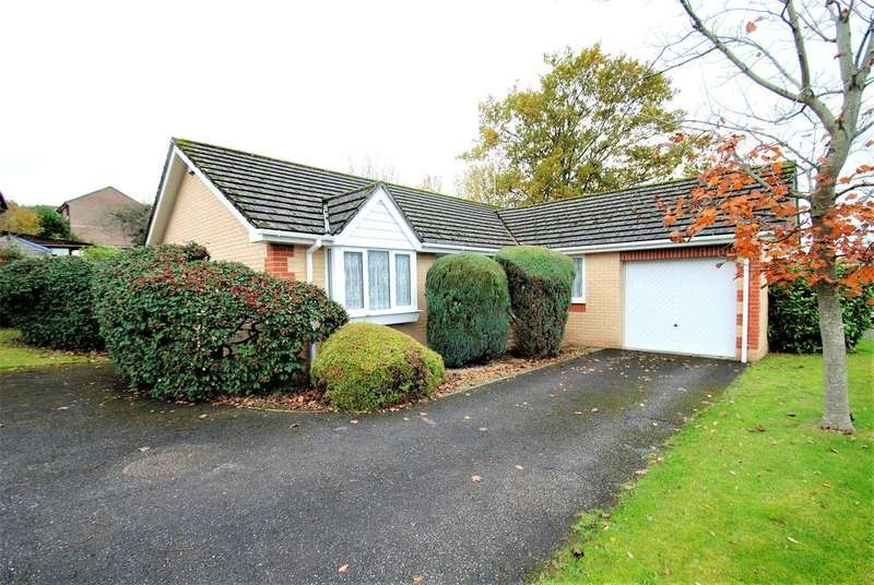 3 Bedrooms Detached Bungalow for sale in Kestrel Way, Barnstaple