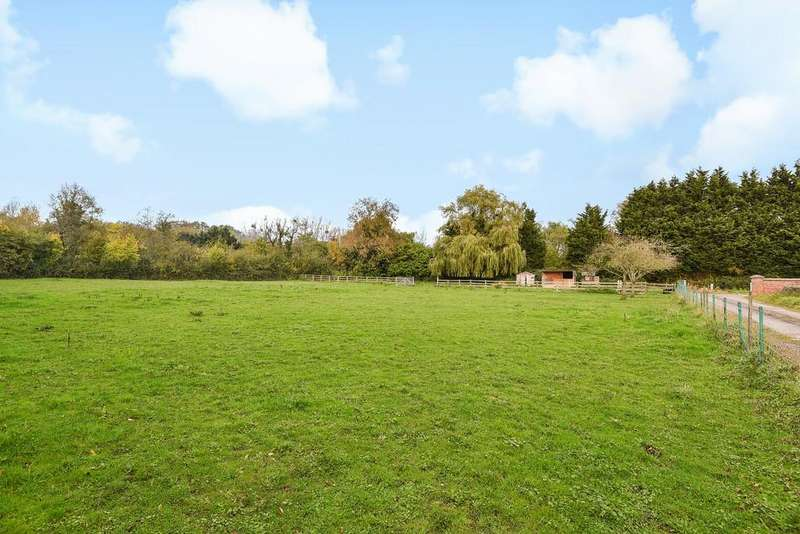 2 Bedrooms Detached House for sale in Saul, Gloucester