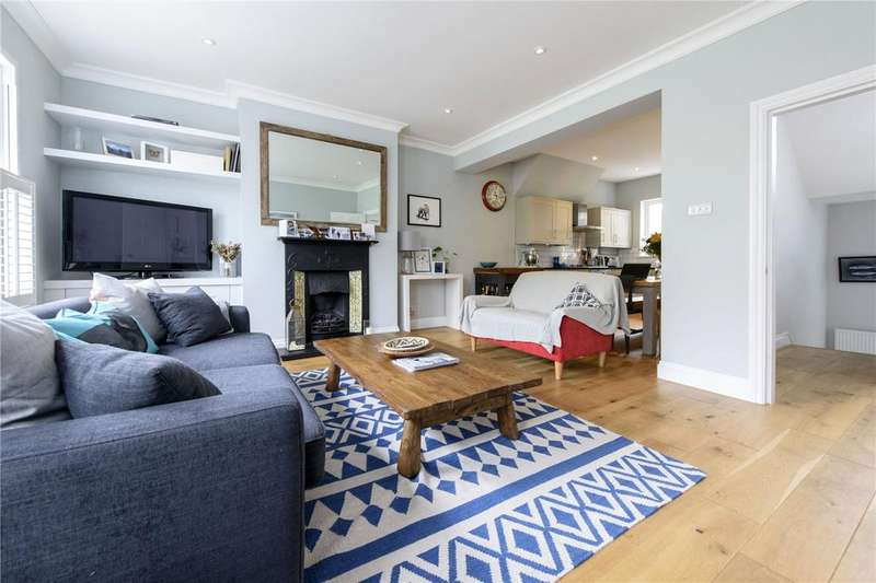 3 Bedrooms Maisonette Flat for sale in Birdhurst Road, London, SW18