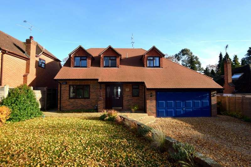 4 Bedrooms Detached House for sale in Courtmoor Avenue, Fleet