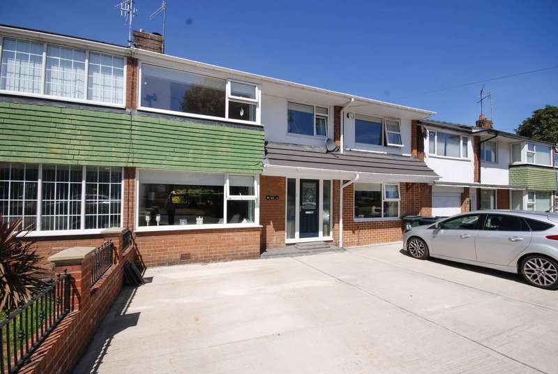 4 Bedrooms Semi Detached House for sale in Grange Road, Heworth