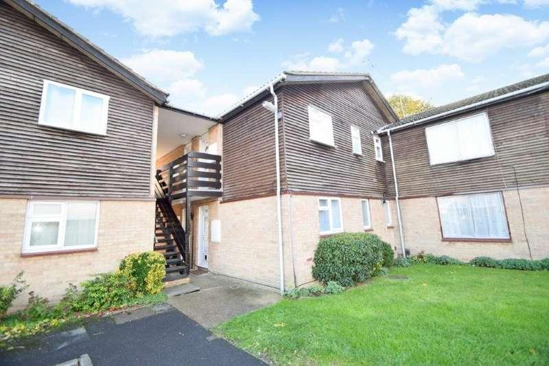 1 Bedroom Maisonette Flat for sale in Holmedale, Slough, SL2