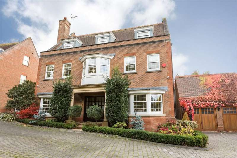 5 Bedrooms Detached House for sale in Hanover Place, Warley, Brentwood, Essex, CM14