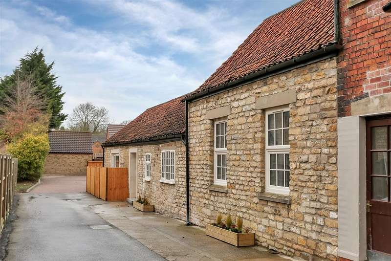 3 Bedrooms Barn Conversion Character Property for sale in A 2/3 Bedroom Barn Conversion on Ermine Street, Ancaster, Grantham