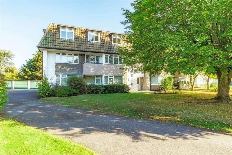 2 Bedrooms Flat for sale in Pipers Court, The Fairway, Burnham, Buckinghamshire