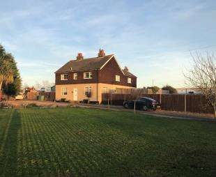 5 Bedrooms Detached House for sale in Gas Road, Murston, Sittingbourne, Kent