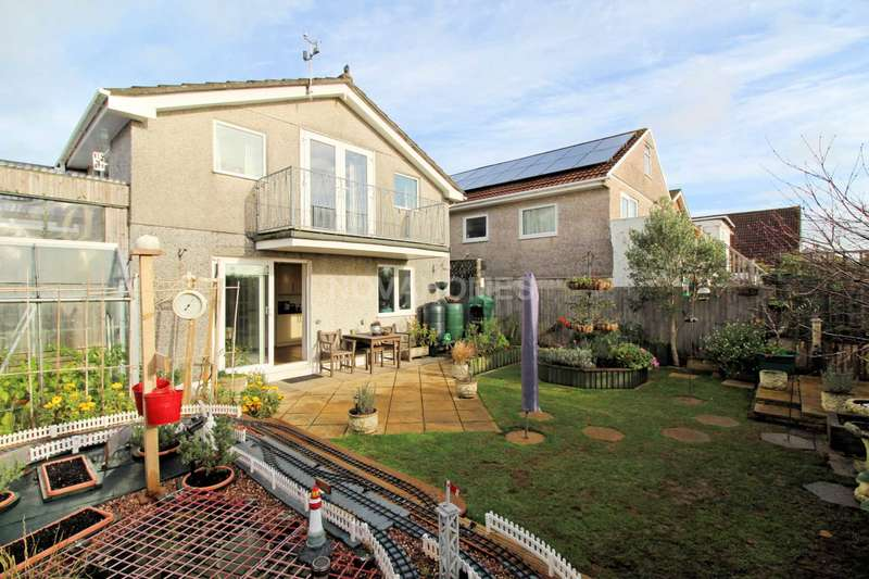3 Bedrooms Detached House for sale in Stunning Balcony With Views, Great Living Space & Gardens