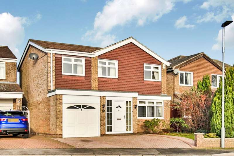4 Bedrooms Detached House for sale in Walden Close, Ouston, Chester Le Street, DH2
