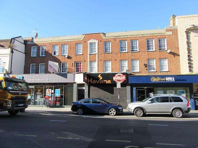 3 Bedrooms Flat for sale in South End, Purley, South Croydon, CR0