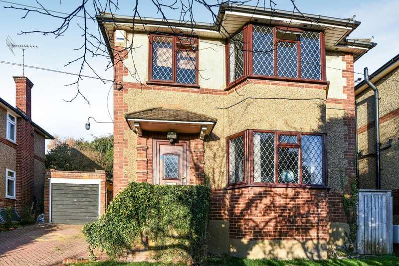 3 Bedrooms Detached House for sale in High Wycombe, Buckinghamshire, HP13