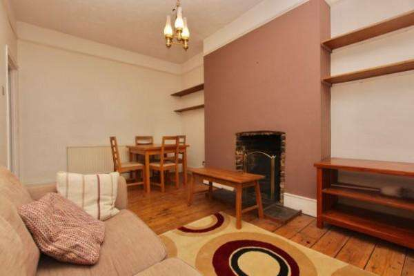 2 Bedrooms Maisonette Flat for sale in Albion Road, Stoke Newington, N16
