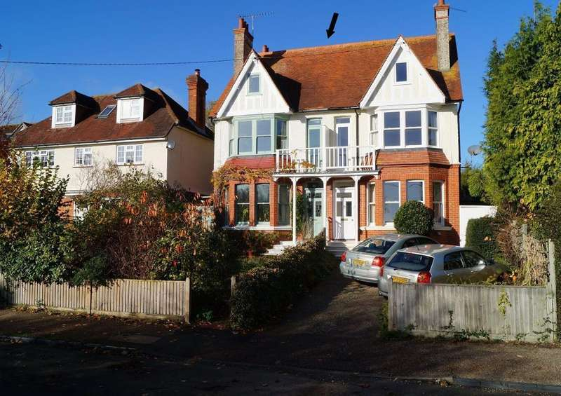 5 Bedrooms Semi Detached House for sale in Goring Road, Steyning, West Sussex, BN44 3GF