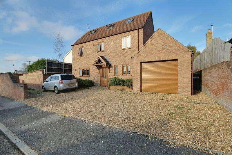 4 Bedrooms Detached House for sale in Metcalfe Way, Haddenham