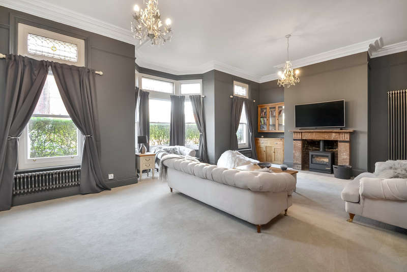 6 Bedrooms Semi Detached House for sale in Southsea, Hampshire