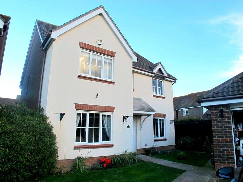 5 Bedrooms Detached House for sale in Megson Drive, Lee-On-The-Solent