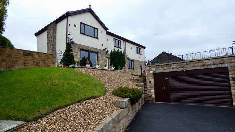 5 Bedrooms Detached House for sale in New Line, Bacup, Lancashire, OL13