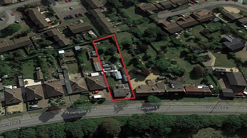 Land Commercial for sale in Towngate East, Market Deeping