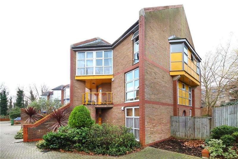 2 Bedrooms Apartment Flat for sale in Holyoake Court, Bryan Road, London, SE16
