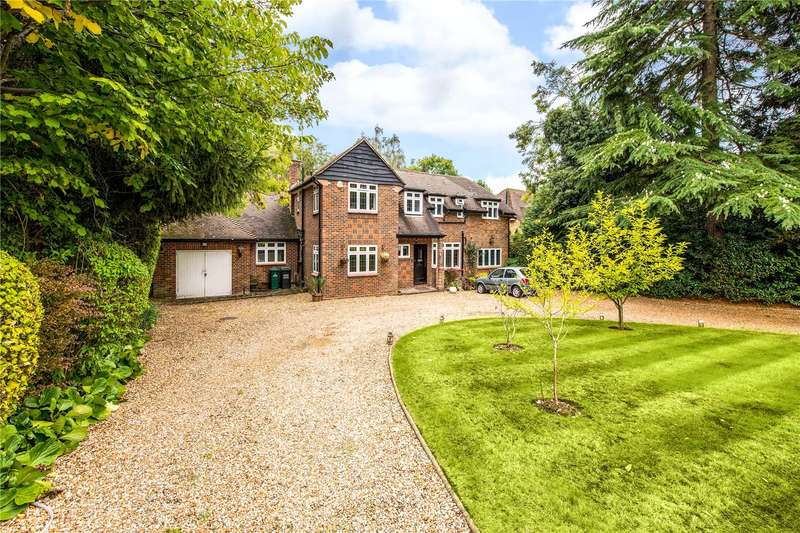 5 Bedrooms Detached House for sale in Bridle Lane, Loudwater, Rickmansworth, Hertfordhire, WD3