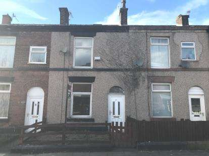 3 Bedrooms Terraced House for sale in Myrtle Street North, Bury, Greater Manchester, BL9