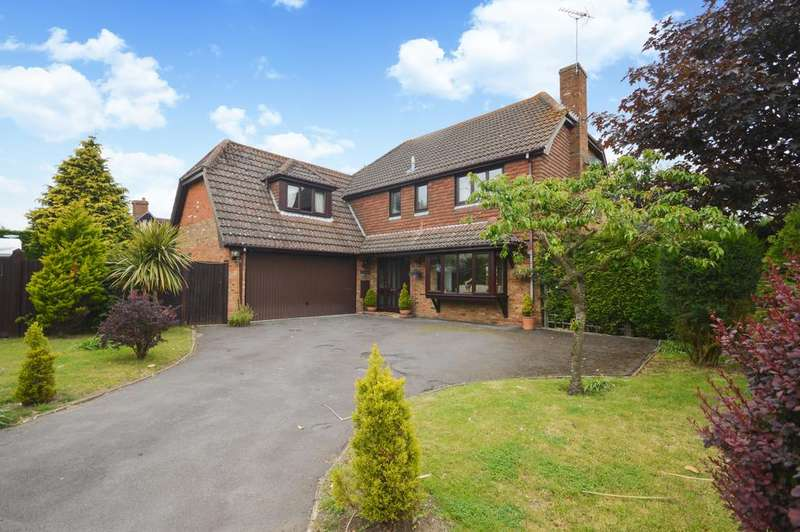 4 Bedrooms Detached House for sale in Summerhill Park, Hythe Road, Ashford, Kent TN24