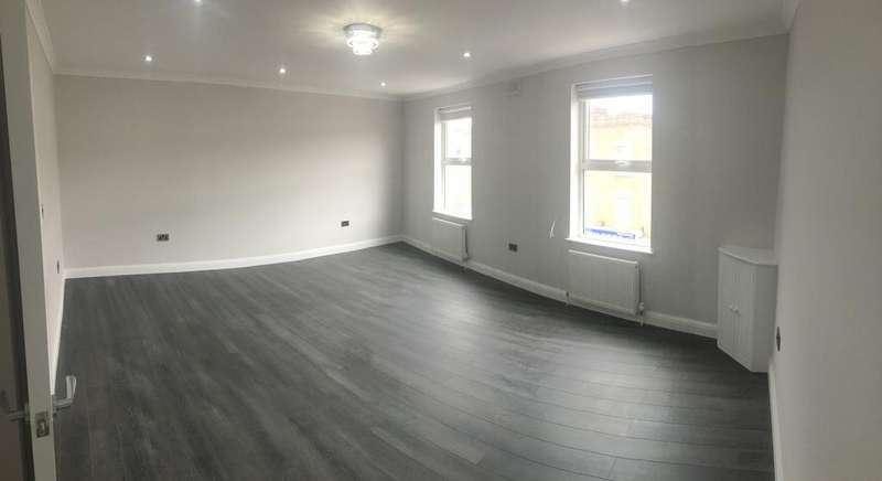 2 Bedrooms Flat for sale in West Green Road, London N15