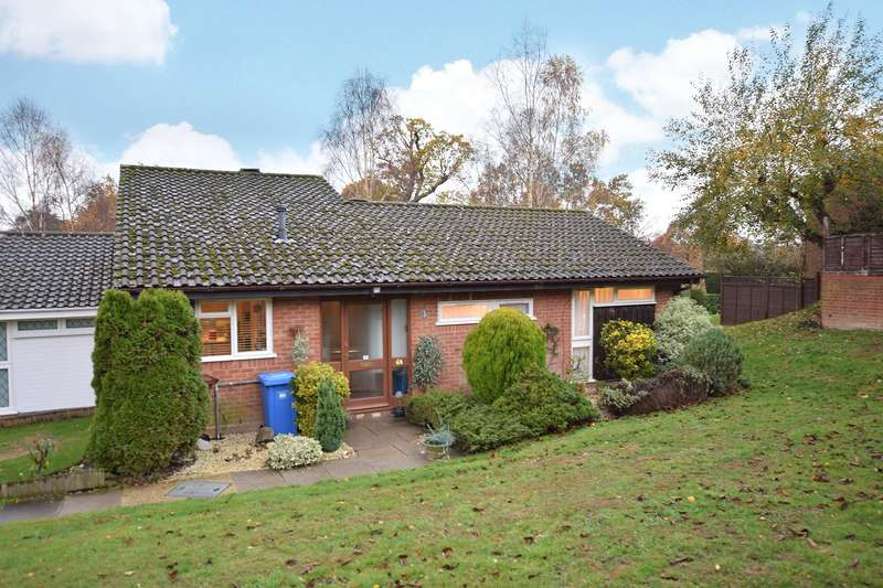 3 Bedrooms Bungalow for sale in Finmere, Bracknell, Berkshire, RG12