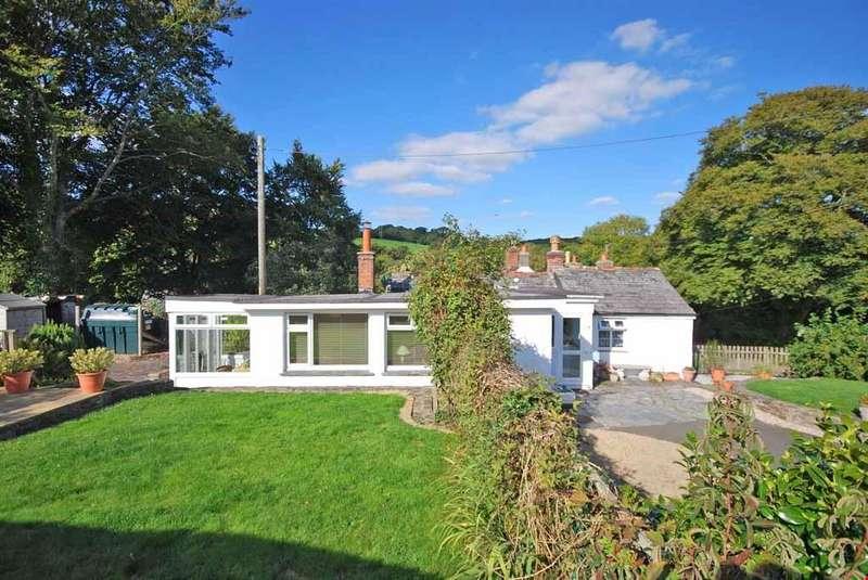 3 Bedrooms Detached House for sale in Helland Bridge, Nr. Bodmin, Cornwall, PL30