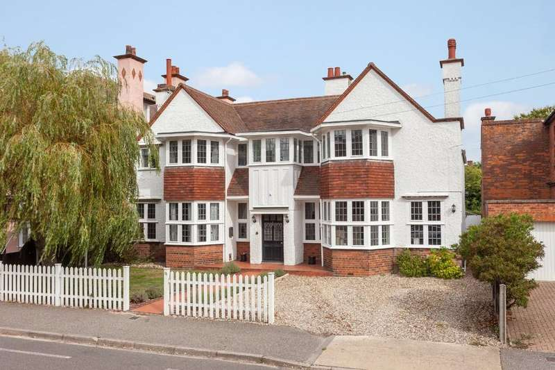 5 Bedrooms Detached House for sale in Corton Road, Lowestoft