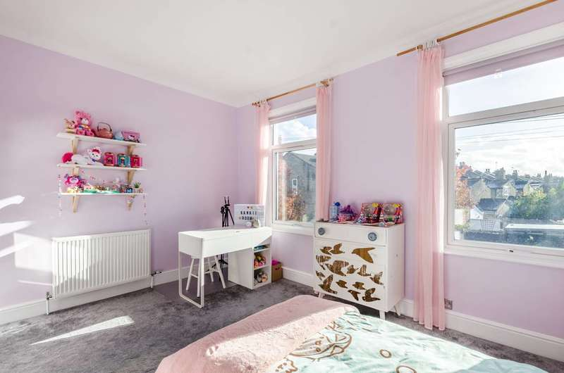 4 Bedrooms Terraced House for sale in Frogley Road, East Dulwich, SE22