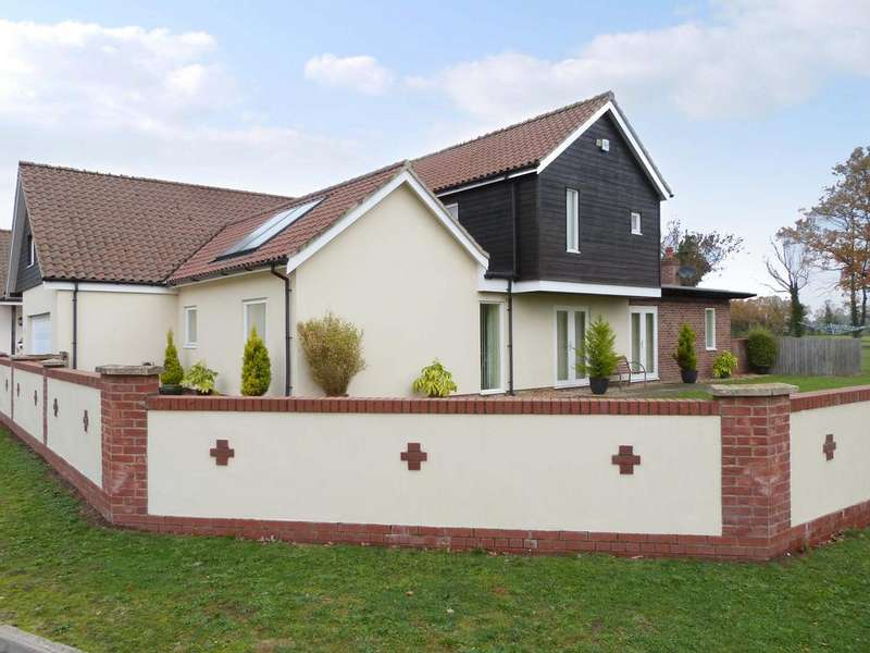 5 Bedrooms Detached House for sale in Norwich NORFOLK