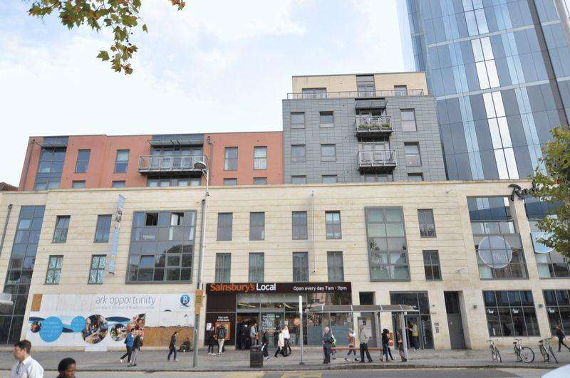 1 Bedroom Apartment Flat for sale in Central Quay North, Broad Quay, Bristol, BS1