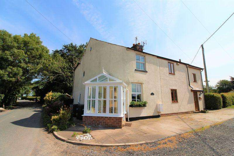 2 Bedrooms Semi Detached House for sale in Knoll Lane, Little Hoole, Preston