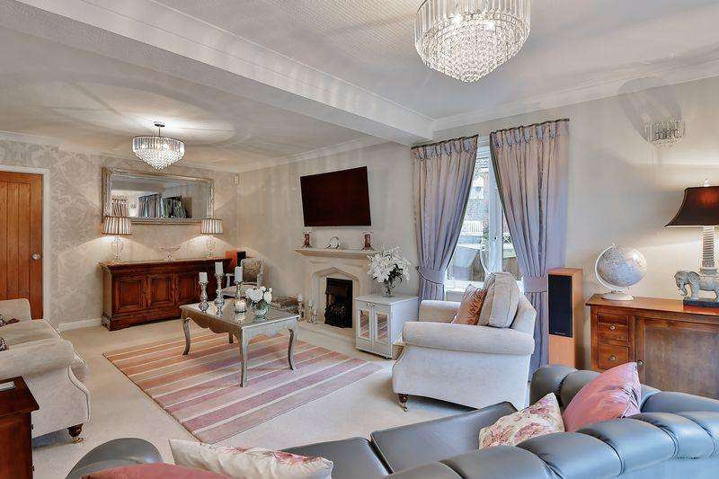 4 Bedrooms Detached House for sale in Newhouse Crescent, Norden, Rochdale