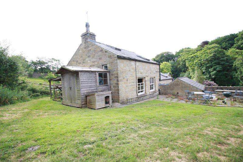 3 Bedrooms Detached House for sale in Manchester Road, Hollingworth