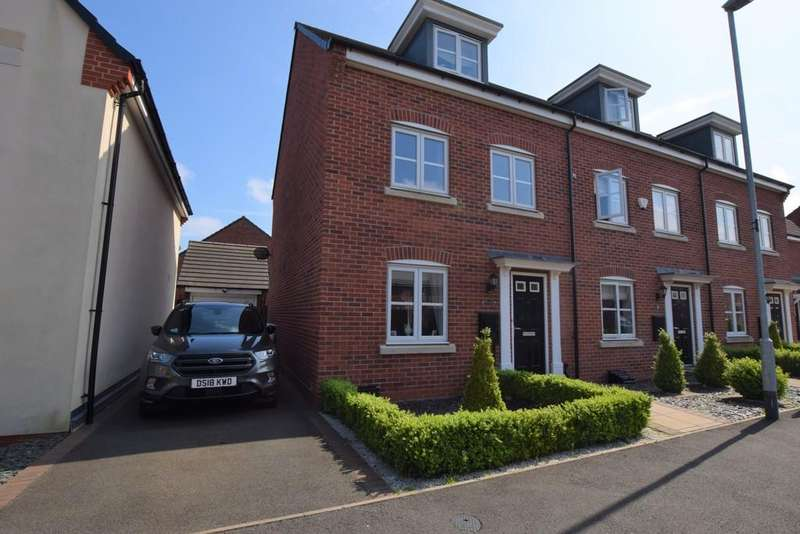 3 Bedrooms Town House for sale in Triumph Road , Hinckley