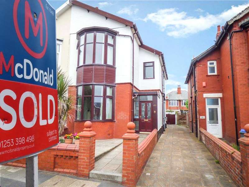 3 Bedrooms Semi Detached House for sale in Warbreck Drive, Bispham, Blackpool