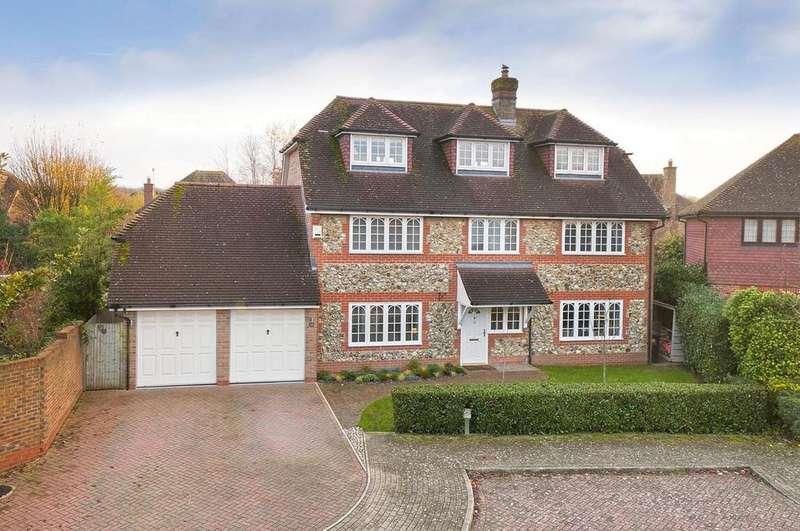 5 Bedrooms Detached House for sale in Alton Avenue, Kings Hill, ME19 4ES
