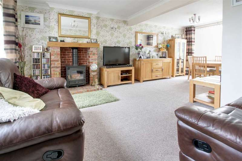 4 Bedrooms Detached House for sale in Cambridge Drive, Washingborough, Lincoln