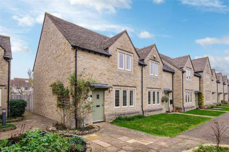 2 Bedrooms End Of Terrace House for sale in Lygon Court, Fairford, Gloucestershire, GL7