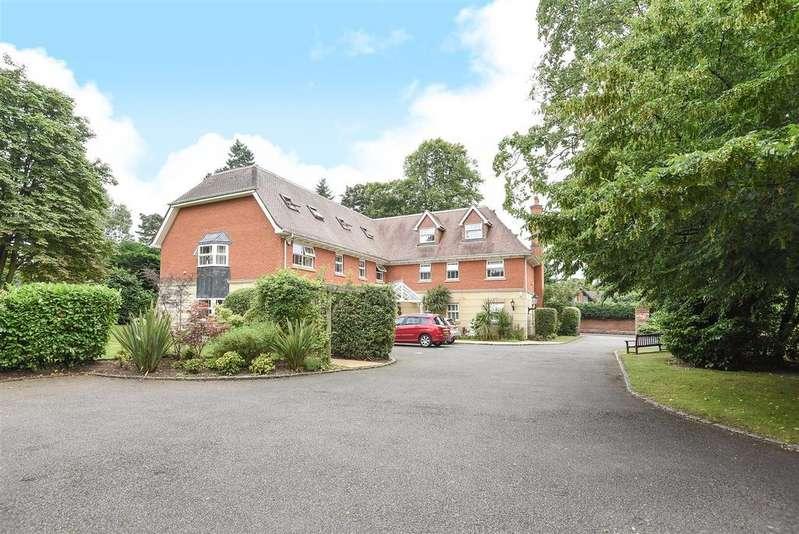 2 Bedrooms Apartment Flat for sale in Wiltshire Road, Wokingham, Berkshire RG40 1QU