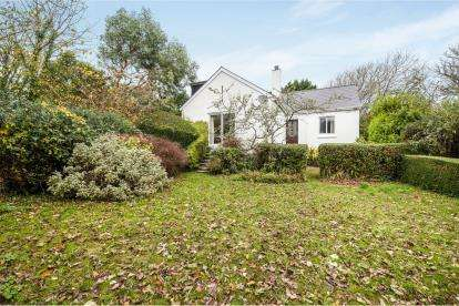2 Bedrooms Bungalow for sale in St Ives, Cornwall, England