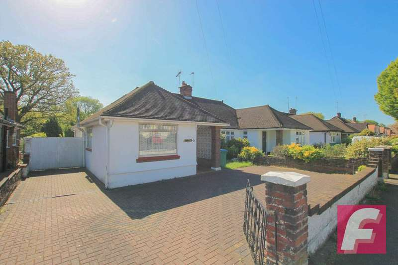3 Bedrooms Semi Detached Bungalow for sale in Woodmere Avenue, Watford