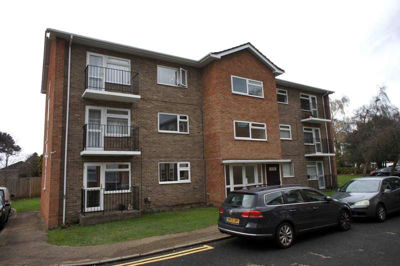 2 Bedrooms Flat for sale in Valerie Court, Reading