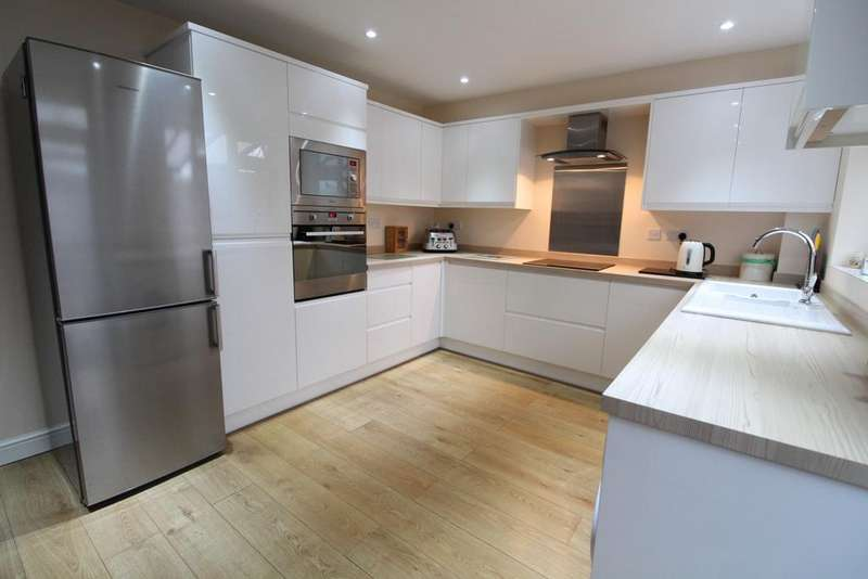3 Bedrooms Terraced House for sale in Wesley Road, Sandy SG19