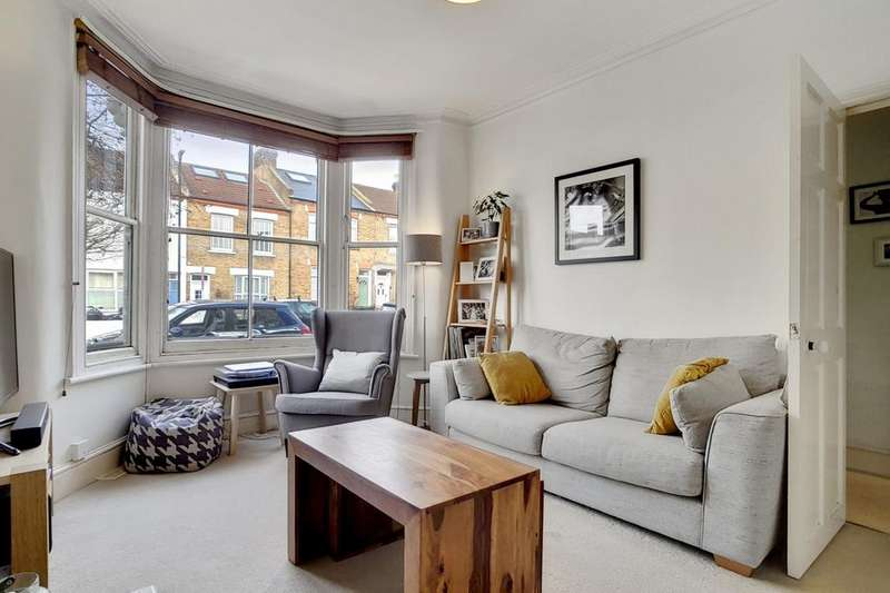 1 Bedroom Flat for sale in Danbrook Road, Streatham, SW16